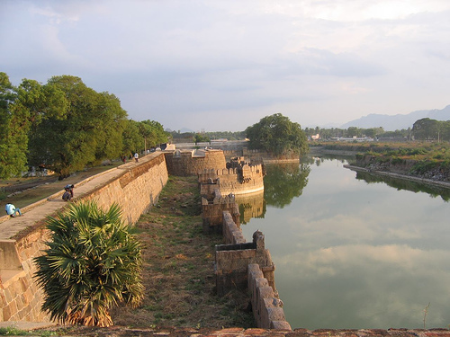 golden temple vellore. fort vellore.jpg