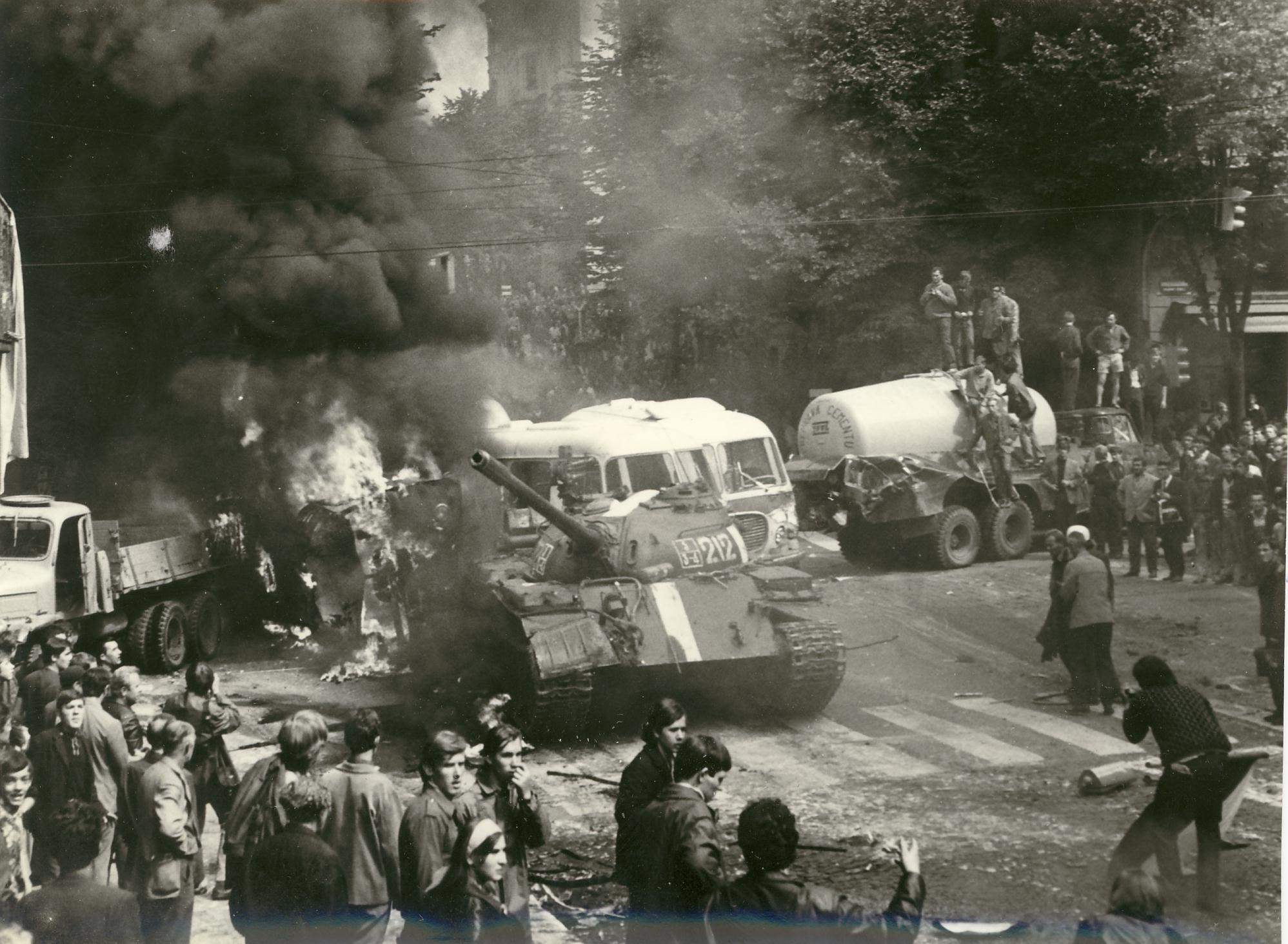 the prague spring 1968 The prague spring was a period of opening and political reforms within communist czechoslovakia that was ended violently through the intervention of the warsaw pact.