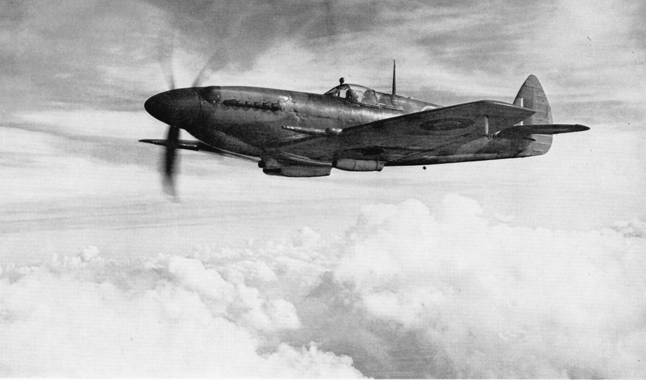 http://en.valka.cz/attachments/3588/Supermarine_Spitfire_Mk.XII.JPG
