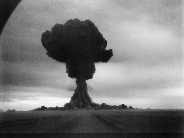 Alamogordo Atomic Bomb. the atom omb explosion,